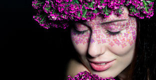 Zamyka w górę portreta wzorcowy makijaż z oczami zamykającymi Obrazy Royalty Free