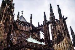 Zamyka w górę szczegółowej widoku St Vitus katedry Praga zdjęcia stock