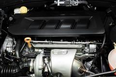 Zamyka w górę szczegółu nowy samochodowy silnik Czyści nowego samochodowego silnika Obraz Royalty Free