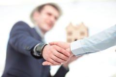Zamyka w górę widoku biznesowy partnerstwo uścisku dłoni pojęcie Fotografia dwa biznesmenów handshaking proces sukces się Zdjęcie Stock