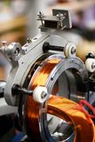 Zamyka w górę widoku elektryczne części z miedzianym drutem Obrazy Royalty Free