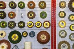 Zamyka w górę wiele rodzaj i kształt wysokiej jakości froterowania narzędzie dla przemysłowej pracy zdjęcie stock