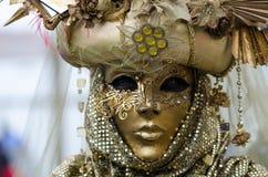 Zamyka w górę portreta kobiety maska w Wenecja Zdjęcia Royalty Free