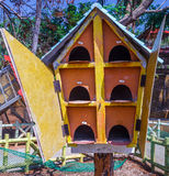 Zamyka w górę widoku drewniany ptaka gniazdeczko, ECR, Chennai, Tamilnadu, India, Jan 29 2017 obraz royalty free