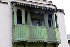 Zamyka w górę wizerunku starego rocznika drewniany domowy nadokienny balkon Zdjęcie Royalty Free