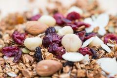 Zamykający up i plamy śniadaniowy zdrowy jedzenie, granola, musli, organ Zdjęcie Stock