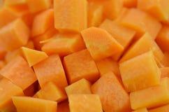 Zanahoria cortada en cuadritos fresca, primer fotografía de archivo libre de regalías