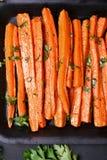 Zanahorias asadas a la parrilla, visión superior Fotos de archivo