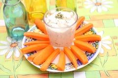 Zanahorias con una inmersión Foto de archivo