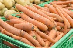 Zanahorias en un cajón Fotografía de archivo