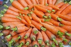 Zanahorias frescas del mercado, Nepal Imagen de archivo libre de regalías