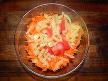 Zanahorias frescas, tomate, pimienta dulce Imagenes de archivo