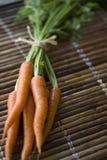 Zanahorias orgánicas frescas Imágenes de archivo libres de regalías