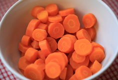 Zanahorias tajadas y hervidas Fotografía de archivo libre de regalías