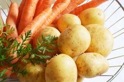 Zanahorias y patatas Fotografía de archivo libre de regalías
