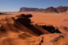 Zand-duinen in wadi-Rum woestijn royalty-vrije stock foto's