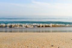 Zand en overzees in de zomerdag Royalty-vrije Stock Foto