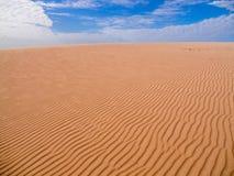 Zand en wolken royalty-vrije stock foto's