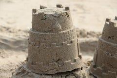 Zand modellering Het concept van de vakantie Kasteeltoren royalty-vrije stock afbeelding