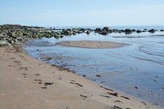 Zandduinen en rotsen Royalty-vrije Stock Afbeelding