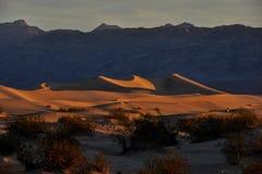 Zandduinen in het Nationale Park van de Doodsvallei, Californië, de V.S. Royalty-vrije Stock Foto's
