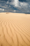 Zandduinen met luchtspiegeling Stock Fotografie