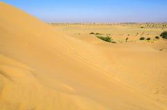 Zandduinen, SAM-duinen van de Woestijn van Thar van India met exemplaarruimte Stock Fotografie