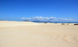 Zandduinen van Corralejo, Fuerteventura, Canarische Eilanden. Royalty-vrije Stock Foto's