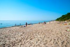 Zandig strand in Klaipeda, Litouwen Stock Afbeelding