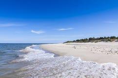 Zandig strand op Hel-Schiereiland, Oostzee, Polen Stock Afbeelding