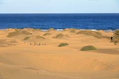 Zandige duinen in beroemd natuurlijk Maspalomas-strand Gran Canaria spanje royalty-vrije stock afbeeldingen