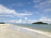 Zandige kust op Langkawi Stock Fotografie