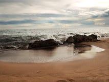 Zandige overzeese kust royalty-vrije stock foto