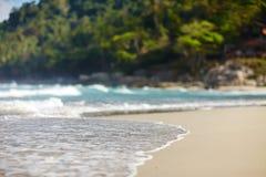 Zandige Strand en Golf Royalty-vrije Stock Afbeeldingen