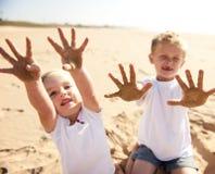 Zandige strandjonge geitjes Royalty-vrije Stock Foto