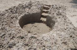 Zandkasteel in het maken royalty-vrije stock foto's