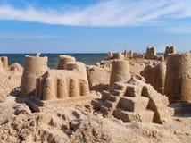 Zandkasteel op Strand Stock Afbeeldingen