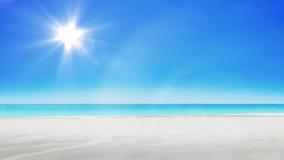 Zandkasteelstrand op heldere hemel het 3d teruggeven Stock Fotografie