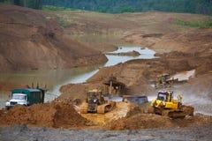 Zandkuil Zand speciaal voor bouw Kuilhoogtepunt van fijne zand en vrachtwagensporen Royalty-vrije Stock Foto