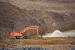 Zandkuil Zand speciaal voor bouw Kuilhoogtepunt van fijne zand en vrachtwagensporen Royalty-vrije Stock Afbeelding