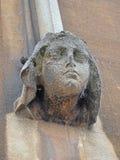 Zandsteen Gebeeldhouwd Vrouwelijk Hoofd bij de Bouw van Muur Stock Afbeeldingen
