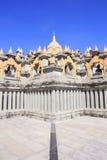 Zandsteenpagode in Pa Kung Temple in Roi Et van Thailand Er is een plaats voor meditatie stock afbeeldingen