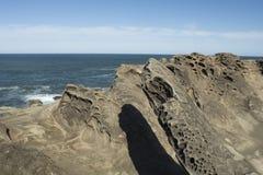 Zandsteenvormingen bij het Park van de Staat van Kustacres, Oregon Stock Afbeelding