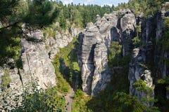 Zandsteenvormingen in het Tsjechische Paradijs stock afbeelding