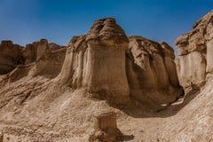 Zandsteenvormingen rond Al Khobar Caves Jebel Qarah, Al Hofuf, Saudi-Arabië royalty-vrije stock foto