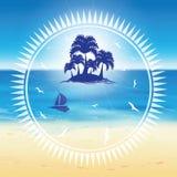 Zandstrand en klein eiland Royalty-vrije Stock Fotografie