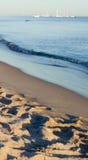 Zandstrand en ocean.GN royalty-vrije stock afbeeldingen