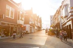 Zandvoort nederländska Juni 10 2017: Arkitektur och gator av den gamla staden Zandvoort är en huvudsaklig havssemesterort och Royaltyfria Bilder
