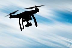 Zangão com voo da câmera 4K Imagem de Stock Royalty Free