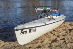 Zangão de Hexacopter com câmera e canoa Foto de Stock Royalty Free